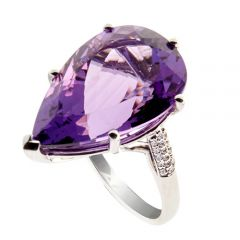 18ct diamond and amethyst ring