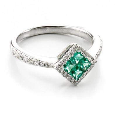 Modern proposals: Alternative engagement rings for couples with character
